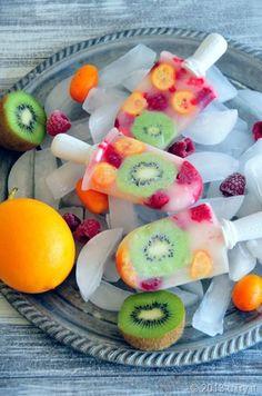 Erfrischendes und gesundes Früchte-Wassereis ganz einfach selber machen