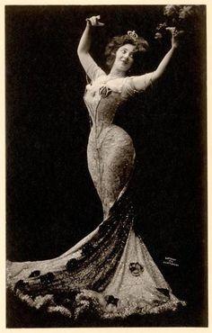 1910 ~ Edwardian Actress Anna Held