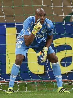 'Proibido' de sair do time, Jailson se destaca e ajuda Palmeiras a liderar