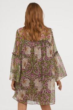 0a7b1fa1c142 Ruffle Trim, Ruffles, William Morris Art, Tunic Tops, Chiffon, Dresses With