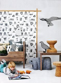Love this idea of using wallpaper like this - a flat frame to create a feature, without taking over the space or closing it in. Gonna be doing this!  #home #design #wallpaper