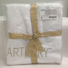 ARTISTRY Towel amway