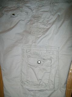 w 32 L 12 LEE DUNGAREES beige distressed cargo SHORTS
