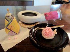 宝泉堂の「ひきちり」。 ほうろくと、一緒に。 3/3、雛祭りのお菓子。