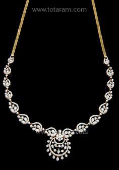 Diamond Necklace Simple, Small Necklace, Ankle Jewelry, Book Jewelry, Jewelry Design Earrings, Art Nouveau Jewelry, Gold Polish, Diamond Jewellery