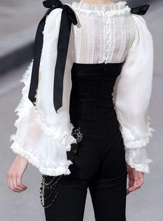 Chanel Fashion Show details & more