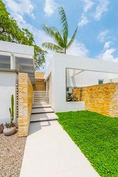 House of the Acacia by David Macias 12 - MyHouseIdea Acacia, Stepping Stone Paths, Path Ideas, Walkway Ideas, Courtyard House, Architecture Plan, Solar, Sidewalk, House Design