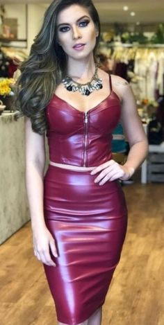 Love this leather dress❤️ Leder Outfits, Komplette Outfits, Skirt Outfits, Fashion Outfits, Sexy Skirt, Dress Skirt, Bodycon Dress, Rave Outfit, Looks Pinterest