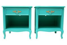 One Kings Lane - Turquoise Nightstands by Henredon. Want to do this to my night stands Colorful Furniture, Vintage Furniture, Painted Furniture, Teal Nightstands, Shades Of Turquoise, Bedroom Night Stands, Vintage Market, New Room, One Kings Lane