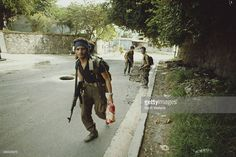 An offensive by the FMLN in San Salvador, El Salvador, during the Salvadoran Civil War, November Get premium, high resolution news photos at Getty Images San Salvador, Salvadoran Civil War, American War, Still Image, Che Guevara, History, Pictures, Martial, War