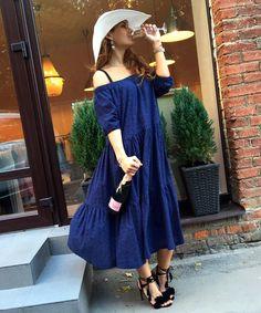 Доброе утро! Шампанское с утра пьют по нашей версии аристократы🍾☺️. А на трёх-уровневые пышные круизные платья из шитья (синее, бежевое, ментоловое, пудровое) у нас сейчас сейл (-30%). Цена со скидкой при предъявлении промокода #HappyDramaSale: 11 900₽. Осталось всего несколько красивых платьев. Ждём в @dramastore_by_nc или оформляем доставку по телефону +7 968 004-96-54 (по Москве и в регионы) #скидки #sale #littledrama_by_nc #littledrama_cruise #круизноеплатье #пляжноеплатье