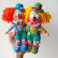 In this article we will share the amigurumi clown crochet free english pattern. Amigurumi related to everything you can not find and share with you. Crochet Amigurumi Free Patterns, Crochet Doll Pattern, Crochet Mignon, Cute Crochet, Amigurumi Doll, Doll Patterns, Crochet Projects, Clowns, Pattern Images