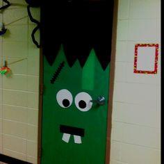 A Halloween-themed decoration for your classroom door- featuring Frankenstein! Halloween Door Decorations, Theme Halloween, Halloween Crafts, Library Decorations, Halloween Costumes, Halloween Fashion, Spooky Halloween, Halloween Classroom Door, Classroom Decor