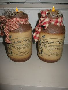 grungy mason jars w/moss Ball Mason Jars, Mason Jar Gifts, Mason Jar Diy, Easy Crafts To Sell, Easy Fall Crafts, Primitive Mason Jars, Primitive Crafts, Primitive Labels, Jar Crafts