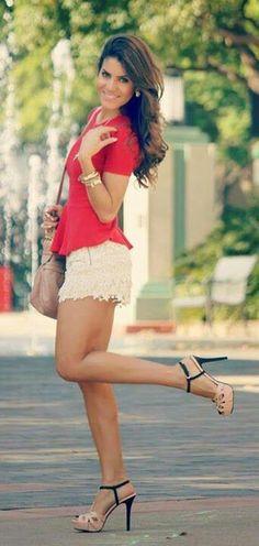 Everyday New Fashion: A Cute Way To Show Fashion. like the shoes! Fashion Mode, Look Fashion, New Fashion, Womens Fashion, Fashion Trends, Curvy Fashion, Street Fashion, Fall Fashion, Short Outfits