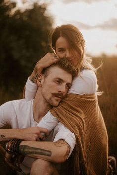 xander-taylor-northern-native/ - The world's most private search engine Photo Poses For Couples, Couple Picture Poses, Couple Photoshoot Poses, Engagement Photo Poses, Photo Couple, Couple Photography Poses, Engagement Photo Inspiration, Cute Couple Pictures, Couple Portraits