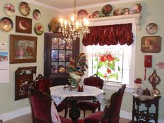 Old-school Victorian dining room (minus weird table centerpiece) Love all the floral china! Best Interior Design, Interior Decorating, Decorating Ideas, Cottage Decorating, Decor Ideas, Room Ideas, Victorian Decor, Victorian Homes, Kb Homes
