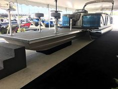 Pontoon Boat Party, Pontoon Boats, Barca News, Pontoon Boat Accessories, Party Barge, Center Console Boats, Boat Stuff, Lake Life, Canada Travel