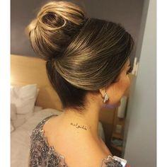 "Coque alto da noite<span class=""emoji emoji1f486""></span><span class=""emoji emoji1f646""></span><span class=""emoji emoji1f481""></span> #hair #hairstyle #haircreation #beleza #loreal #leestafford ..."