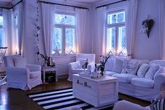Valkoisen kartanon elämää: olohuone