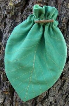Leaf drawstring bag