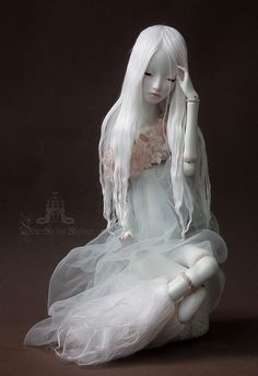 Fantasy | Whimsical | Strange | Mythical | Creative | Creatures | Dolls | Sculptures | Lunam by Solys