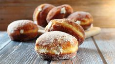 Vanilla Cream-Filled Doughnuts How-To