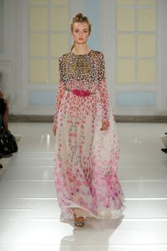 Love this dress from Temperley London! Spring 2014, Spring Summer, Summer 2014, Summer Ideas, Dress With Bow, New Dress, London Spring, Catwalk, Sari
