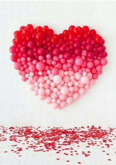 Ombre Heart Balloon Backdrop for Valentine& Day Valentines Balloons, Valentines Day Photos, Valentines Day Weddings, Valentines Day Party, Valentines Day Decorations, Birthday Balloons, Birthday Parties, Diy Valentine, Pink Birthday