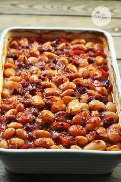 Fasola pieczona z kabanosami i papryką / Baked white beans with dried sausage and red bell pepper My Favorite Food, Favorite Recipes, Cooking Recipes, Healthy Recipes, Food Inspiration, Love Food, Food To Make, Sandwiches, Dinner Recipes