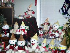 When the first stuffed Mr. Bingle dolls were made in the late 40's they were not dated. Description from mrbinglefans.com. I searched for this on bing.com/images