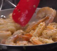 Pâtes aux crevettes super simples à réaliser - Recettes - Ma Fourchette Super Simple, Meat, Chicken, Food, Seafood, Pisces, Cooking Food, Recipes, Essen