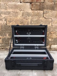 DARK MODULAR CASES - 12U 84 HP