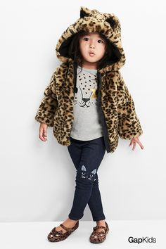 Pull these on for one easy, cozy, on-trend fall look: A foil animal tee, cozy cat leggings, pet ballet flats, a cuddly faux cheetah fur jacket: PURRFECT!