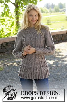 Knitted DROPS jacket with cables and raglan, worked top down in Karisma. Size S-XXL Free knitting pattern by DROPS Design. Cable Knitting, Knitting Stitches, Free Knitting, Sweater Knitting Patterns, Knitting Designs, Knit Patterns, Drops Design, Drops Patterns, Jumpers For Women