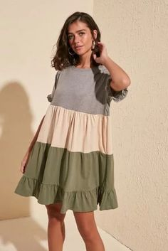 Beautiful Casual Dresses, Simple Dresses, Hijab Fashionista, Tunic Designs, Dress Outfits, Fashion Outfits, Tent Dress, Dress Indian Style, African Fashion Dresses