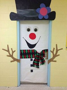 24 Popular Diy Christmas Door Decorations For Home And School. If you are looking for Diy Christmas Door Decorations For Home And School, You come to the right place. Below are the Diy Christmas Door. Diy Christmas Door Decorations, Decoration Creche, Christmas Door Decorating Contest, School Door Decorations, Winter Door Decoration, Winter Decorations, Snowman Door, Diy Snowman, Theme Noel