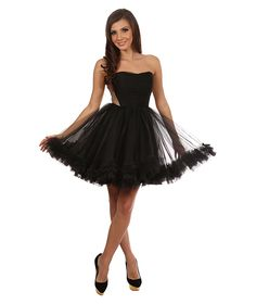 A beautiful black dress perfect for an amazing event http://talis.ro/short-occasion-dresses-for-memorable-appearances/