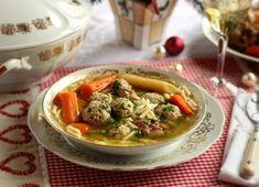 Kacsaleves csomboros húsgombóccal Recept képpel - Mindmegette.hu - Receptek Hungarian Recipes, Hungarian Food, Thai Red Curry, Cake Recipes, Lunch, Baking, Ethnic Recipes, Soups, Minden