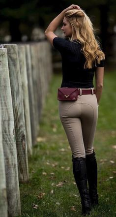 Reitmode – Reithosen und Reitstiefel Equestrian fashion – breeches and riding boots - Art Of Equitation Equestrian Chic, Equestrian Girls, Equestrian Outfits, Equestrian Fashion, Women's Equestrian, Horse Riding Clothes, Riding Pants, Horse Riding Boots, Vaquera Sexy