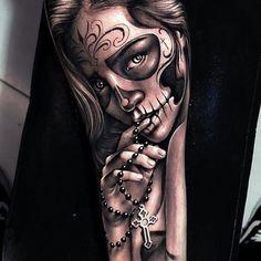 - Tattoos - - My list of best tattoo models Sugar Skull Girl Tattoo, Girl Face Tattoo, Girl Tattoos, Tattoos For Guys, Sugar Tattoo, Sugar Skull Sleeve, Tattoo Guys, Skull Hand Tattoo, Crown Tattoos