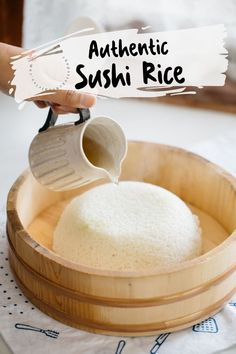 The perfect Sushi rice is the foundation of any sushi recipe. The quality of your sushi is determined by how perfectly you make your sushi rice. Master how to cook Sushi rice like a pro-Japanese with my authentic Japanese sushi rice recipe. It includes step by step photo instructions & a video! A bonus convenient sushi rice quantity calculator is included.  #sushi #sushirice #Japaneserecipe #sushirecipe #Japaneserice Japanese Sushi Rice Recipe, Best Sushi Rice, Sushi Rice Recipes, Japanese Dinner, Japanese Food, Japanese Recipes, Filipino Recipes, Asian Recipes, Oriental Food