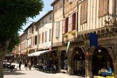 Mirepoix  -Francia-  Pueblo con encanto.