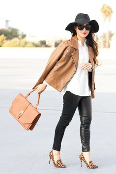 30 Outfits That'll Make You Want a Pair of Leather Pants for Fall 30 Outfits, Classy Outfits, Pretty Outfits, Stylish Outfits, Fashion Outfits, Beautiful Outfits, Girl Outfits, Fashion Clothes, Fashion Hats