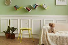 Mensole design a L BOOMERANG per soggiorno color bianco Oscar Wilde, Shabby Chic, Sottile, Minimal, Houses, Kleding, Shabby Chic Decorating