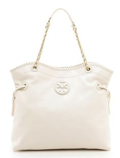 #toryburch slouchy tote  http://rstyle.me/n/igrq5pdpe