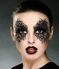 Make up con ragnatela sugli occhi