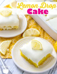 Lemon Drop Cake is easy to make but is for serious lemon lovers! Lemon cake mix poked with lemon sauce and topped with whipped lemon frosting. Lemon drop cake - Easy Lemon Drop Cake recipe from The Country Cook Dessert Simple, Desserts Rafraîchissants, Dessert Recipes, Easy Lemon Desserts, Pancake Recipes, Lemon Drop Cake Recipe, Easy Lemon Cake, Cupcakes, Cooking