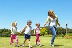 Cómo ser una buena niñera | eHow en Español