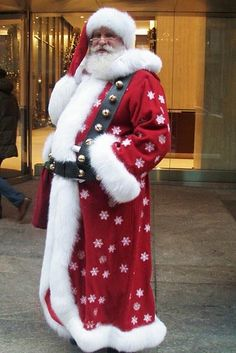 New York City Santa dresses up Merry Christmas To You, The Night Before Christmas, Father Christmas, Christmas And New Year, All Things Christmas, Christmas Holidays, Retro Christmas, Christmas Snowman, Rustic Christmas